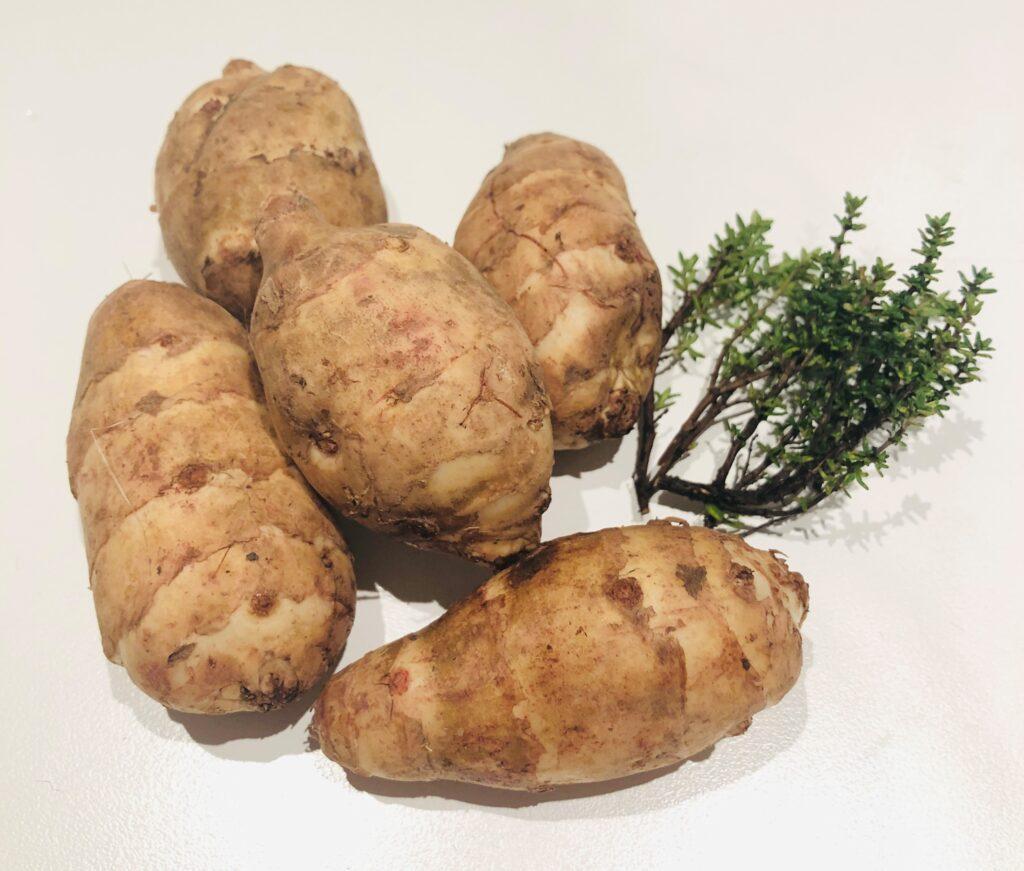 Andre rodfrugter eller grøntsager kan bruges i stedet for jordskokker.